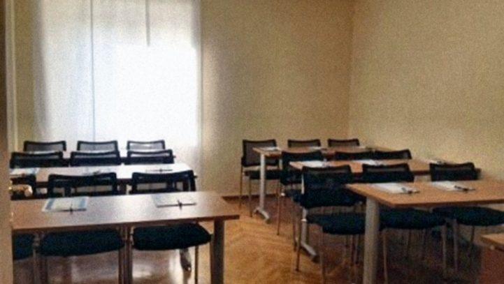 Meeting room L 12/18 people